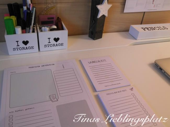 Schreibtisch_Bloecke