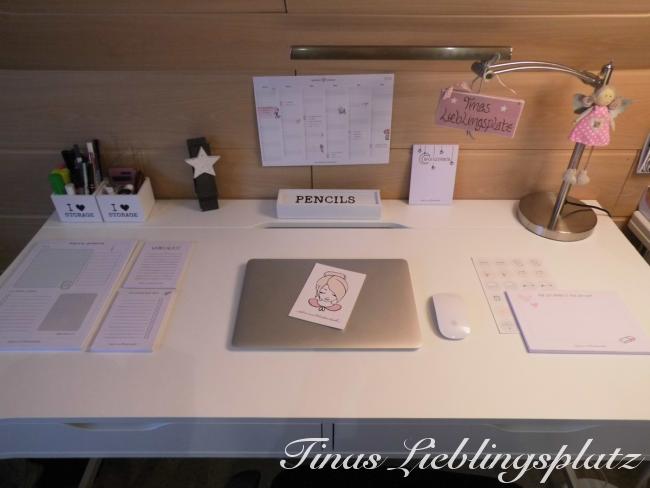 Schreibtisch_gesamt